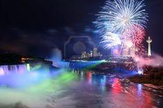 Googles billedresultat for http://us.123rf.com/400wm/400/400/rabbit75123/rabbit751231211/rabbit75123121100034/16159275-niagara-falls-lit-at-night-by-colorful-lights-with-fireworks.jpg