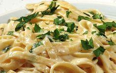 То, что я так давно искала: рецепт белого сливочного соуса «Альфредо»! Моя семья…