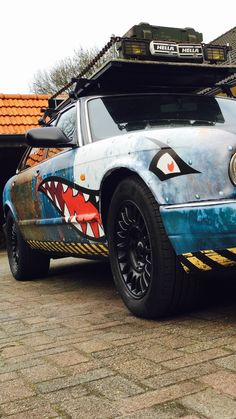 Ratlook ratstyle shark Jaguar XJ6 #dvvdg #carbagerun Shark Mouth, Stance Nation, Nose Art, Body Mods, Rollers, Car Show, Custom Cars, Jdm, Rally
