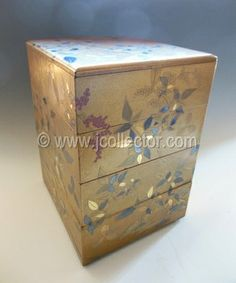 Japanese lacquer jubako bento, stacking lunch box, at www.Jcollector.com