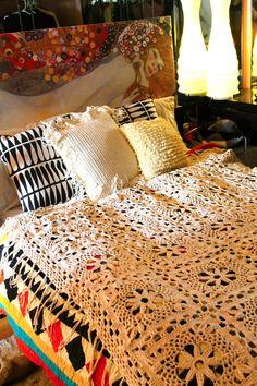 Flower blanket tutorial by Sans Limites Crochet.