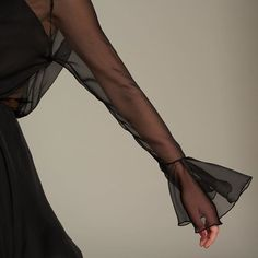 WEBSTA @ wolflamb_es - Porque lo esencial esta en los pequeños detalles... Sweet dreams 💋 #goodnight #wolflamb #shopping #dress #black #fashion
