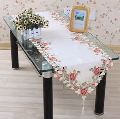 Sale 40*200cm Elegant 100% Polyester Floral Table Runner Embroidery Tablecloth Embroidered Table Cloth Linen Cover Cutwork TCE05