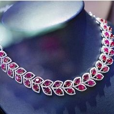 @jewellery_me. #neckace#pink#pinksapphire#flower