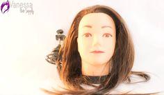 Cabeza de práctica para salones y peinados. Buscando una cabeza de practica para tus cursos y peinados? Ordena con nostros con su base, Fibra suave y anti Enrredos facil de cargar y adaptar en Mesas o superficies estaticas.