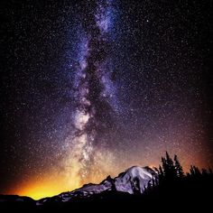 The sky scene at Mount Rainier National Park by Alexis Coram Mount Rainier National Park, A Year Ago, Heaven On Earth, Solar System, The Darkest, Northern Lights, Road Trip, National Parks, Scenery