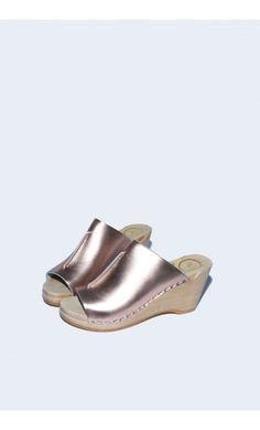 Front Seam Slide Clog on Wedge in Rose Gold