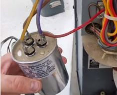How to Go from a Dual Capacitor to a Single in a Air Conditioner – HVAC How To Ac Wiring, Home Electrical Wiring, Electrical Switches, Air Conditioner Condenser, Diy Air Conditioner, Hvac Air Conditioning, Refrigeration And Air Conditioning, Air Compressor Repair, Ac Capacitor