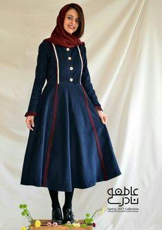 مانتو پیراهنی هنری Hijab Fashion, Fashion Dresses, Women's Fashion, Persian Girls, Iran, Homecoming Dresses, Coats For Women, High Neck Dress, Classy