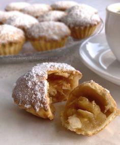 Mirabelkowy blog: Szwedzkie babeczki z jabłkami Cap Cake, Tart, Sweet Tooth, Food And Drink, Cooking Recipes, Sweets, Baking, Breakfast, Blog