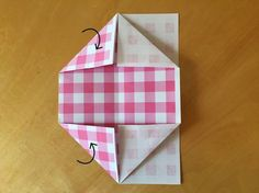 また角を折る Origami Box, Origami Flowers, Diy And Crafts, Paper Crafts, Kraft Boxes, Ribbon Wrap, Craft Activities For Kids, Paper Shopping Bag, Gift Tags