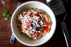angel hair pasta with raw tomato sauce