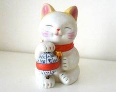 Vintage Ceramics maneki neko Lucky Cat