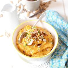 Une petite purée de patate douce coco et amandes par @lesrecettesdejuliette pour célébrer le premier jour de l'automne !  #kitchentrotter #food #happy #autumn by kitchentrotter