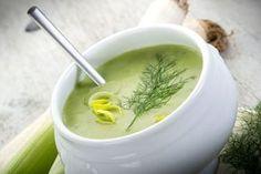 Soupe du Jour: Low Fat Leek and Potato Soup Recipe Diet Soup Recipes, Healthy Dinner Recipes, Healthy Snacks, Cooking Recipes, Fall Recipes, Potato Leek Soup, Onion Soup, Food Mills, Veggie Soup