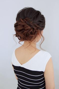 These Gorgeous Updo Hairstyle That You'll Love To Try! Whether a classic chignon, textured updo or a chic wedding updo with a beautiful details. These wedding updos are perfect for any bride looking for a unique wedding hairstyles… Loose Braids, Loose Updo, Updos With Braids, Soft Updo, Side Braids, Braids Cornrows, Fancy Hairstyles, Bridal Hairstyles, Latest Hairstyles