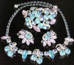 Gorgeous Designer Alexandrite Rhinestone Necklace Pin Earring Set