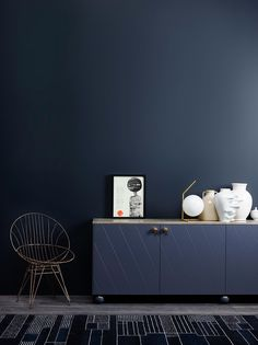Jotun Lady launched their new color chart last week, and I was there to see all the colors live. With all the talented people working at Jotun Lady, I knew Dark Walls, Blue Walls, Color Inspiration, Interior Inspiration, Jotun Lady, Blue Rooms, Trendy Colors, Wall Colors, Pantone