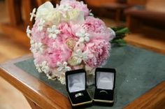 pink and white wedding bouquet | pink wedding bouquet with rings | creative wedding photographers dallas