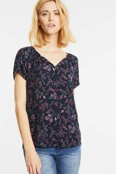 Blütenshirt im Carmen Style
