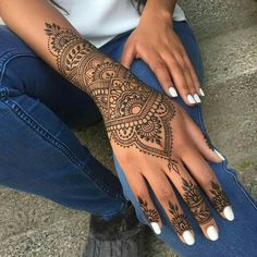 Tattoo foot finger henna designs 34 ideas for 2019 The post Tattoo foot finger henna designs 34 ideas for 2019 appeared first on Best Tattoos. Mehndi Designs, Pretty Henna Designs, Henna Tattoo Designs Simple, Finger Henna Designs, Simple Henna, Tattoo Simple, Hand Designs, Cool Henna Tattoos, Henna Inspired Tattoos