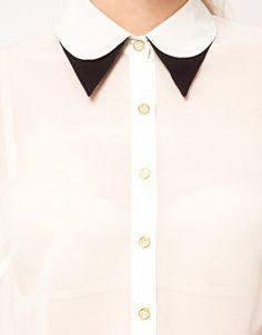 Blusa con cuello doble