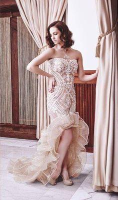 Az klasszikustól az extravagánsig sokféle stílust képviselnek az egyedi készítésű BE Attractive ruhák, melyek az Haute Couture szellemiségében születnek, nemes anyagok felhasználásával valamint sok kézimunkával. A ruhákat Csőke Bea tervezi a művészet és hordhatóság kettősségének szem előtt tartásával.Nézd meg most szombaton a Wedding Pop-up Bazáron!  Helyszín: Bródy Studios 2015. június 06-án 10 órától! Várunk szeretettel! Pop Up, Formal Dresses, Wedding Dresses, Budapest, Mermaid, Classic, Fashion, Haute Couture, Bebe