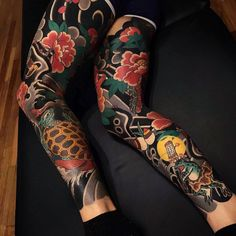 Ageless classic of Japanese traditional tattoo by Ian Det Half Sleeve Tattoos Mermaid, Unique Half Sleeve Tattoos, Full Leg Tattoos, Skull Sleeve Tattoos, Forearm Sleeve Tattoos, Girls With Sleeve Tattoos, Best Sleeve Tattoos, Tattoos For Guys, Japanese Leg Tattoo