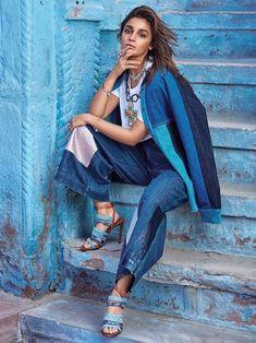 Alia Bhatt photoshoot for Vogue Magazine February Alia is looking ravishing in her hot poses. Checkout Alia Bhatt images from Vogue Magazine Vogue India, Alia Bhatt Photoshoot, Indian Photoshoot, Bollywood Fashion, Bollywood Actress, Magazine Vogue, Alia Bhatt Cute, Alia And Varun, Indian Celebrities