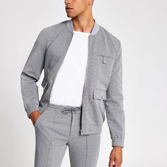 Smart Casual Jackets, Stylish Men, Men Casual, Man Dressing Style, Track Suit Men, Mens Fashion Sweaters, Mens Winter Coat, Cute Swag Outfits, T Shirt Painting