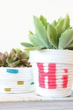 20 Renter-Friendly Decor Ideas - A Beautiful Mess Diy Craft Projects, Diy Projects Using Rope, Rope Crafts, Easy Crafts, Diy And Crafts, Easy Diy, Simple Diy, Succulent Planter Diy, Succulents Diy