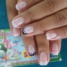 Diseño de uñas French Manicure Nail Designs, French Nail Art, French Tip Nails, Nail Manicure, Pedicure, Fancy Nails, Bling Nails, Pretty Nails, My Nails