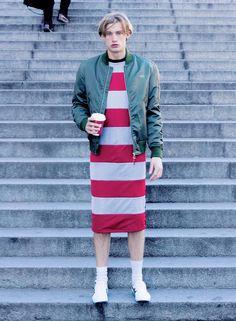 Shoop nw stripes mesh long dress on tendencias fashion mag! Fashion Mag, Urban Fashion, Editorial Fashion, Male Fashion, Skirt Fashion, Guys In Skirts, Men Wearing Dresses, Leggings, Tights