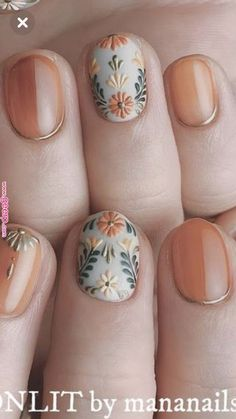 I hope the beautiful nail style can bring you a good mood in autumn. Eplore creative and beautiful nail art & nail designs to inspire your next manicure. Try these fashionable nail ideas and share them with us at Cute Nail Colors, Cute Nail Art, Cute Nails, Pretty Nails, Nail Art Halloween, Manicure E Pedicure, Autumn Nails, Fall Nail Art, Elegant Nails