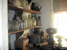 Edwardian pantry interior with wooden shelves with glass jars and antique kitchenalia Abbey Kitchens, Pantry Interior, Vintage Pantry, Messy Kitchen, Butler Pantry, Bees Knees, Walk In Pantry, Cooking Utensils, Wooden Shelves