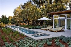 This minimalistic private retreat designed by Turnbull Griffin Haesloop Architects is located on the peninsula south of San Francisco, in the city of Atherton.