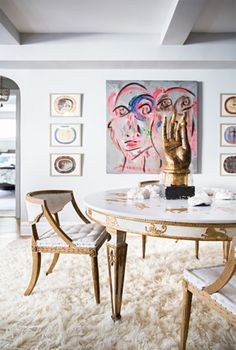 Boudreau: A Cozy And Chic Designer NYC Apartment Pretty pops of color. See more images from natane boudreau: a cozy and chic designer nyc apartment on Pretty pops of color. See more images from natane boudreau: a cozy and chic designer nyc apartment on Home Interior, Interior Decorating, Expensive Houses, Dining Room Design, Inspired Homes, Interiores Design, Eames, Home Furniture, Plywood Furniture