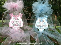 Baby Bubble Door Hanger Bronwyn Hanahan Art by BronwynHanahanArt Baby Door Hangers, Burlap Door Hangers, Painted Doors, Party Accessories, Girl Shower, Baby Crafts, Baby Decor, Craft Gifts, Baby Wreaths