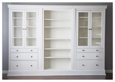 This mirrored bedroom furniture is genuinely an outstanding design alternative. Ikea Dining Room, Dining Room Storage, Ikea Furniture Makeover, Ikea Makeover, Ikea Built In, Mirrored Bedroom Furniture, Ikea Hacks, Diy Hacks, Furniture Layout