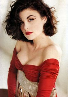 vintage cosmetics | ... twin peaks fashion makeup cat eyes vintage makeup women s fashion