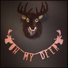 Letters overgetrokken van de bekende zwarte #letterbanner Black Banner, Banners, Deer, Moose Art, Xmas, Animals, Animales, Animaux, Banner