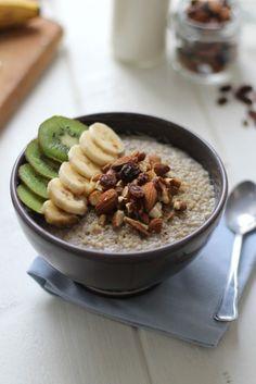 Mon quinoa pudding petit déjeuner еда, завтрак et картины. Quinoa Pudding, Quinoa Porridge, Detox Breakfast, Breakfast On The Go, Breakfast Cake, Breakfast Recipes, Whole Foods Market, Bowl Cake, Healthy Cooking