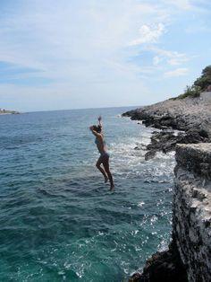cliff diving in Croatia
