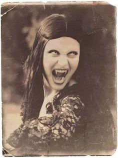 via Lovers of Darkness/FB Real Vampires, Vampires And Werewolves, Vampire Girls, Vampire Art, Dracula, Dark Fantasy, Vampire Pictures, Vampire Stories, Creatures Of The Night