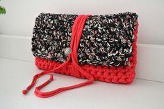 Cotton handbag crochet clutch handmade with eco friendly knitted Tshirt yarn / Trapillo.