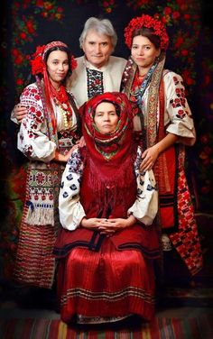 Ukrainian folk costumes.Helena Lence's photos
