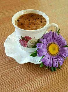 Coffee Vs Tea, Coffee Cafe, Coffee Drinks, Good Morning Coffee, Coffee Break, Gif Café, Slimming Green Tea, Coffee Biscuits, Chocolate