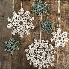 Handwoven Macrame Star Snowflake Christmas Ornaments Wall Decorations Macrame S Macrame Art, Macrame Projects, Macrame Knots, Micro Macrame, Family Ornament, Xmas Ornaments, Modern Christmas Decor, Christmas Crafts, Christmas Decorations