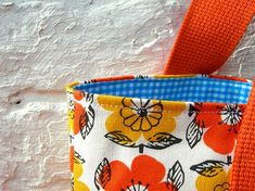 Purses And Bags, Coin Purse, Sewing Projects, Diy Crafts, Wallet, Tote Bag, Knitting, Fabric, Diy Bags