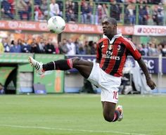 AC Milan midfielder Clarence Seedorf linked with Tottenham move